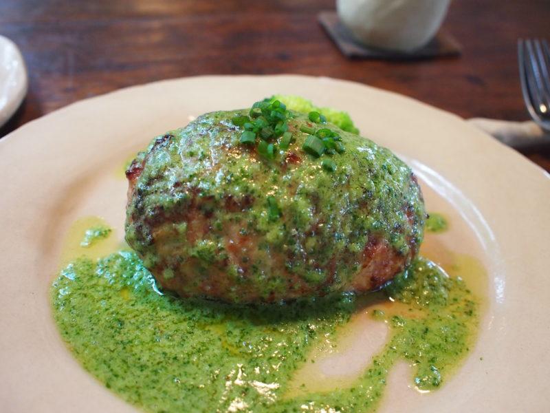 ハンバーグ(香草バターソース)