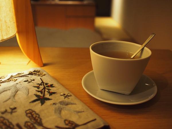 生姜茶を飲みながら読書